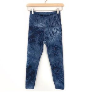 Beyond Yoga Blue Tie Dye Crop Leggings Size S